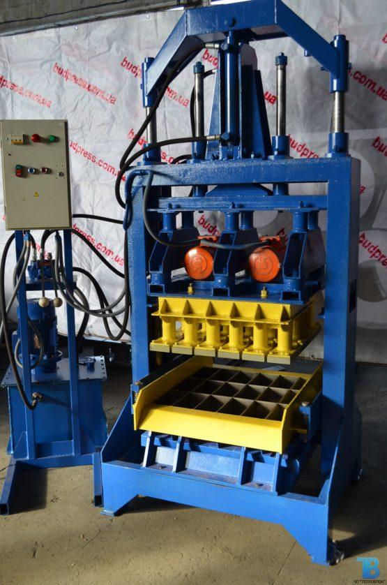 Вибропресс гидравлический для производства шлакоблока, тротуарной плитки и рваного камня ВП-1000 фото 6
